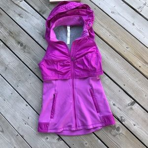 LIKE NEW! LULULEMON VEST. Size 4